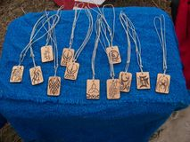 Wood dogtags Royaltyfri Foto
