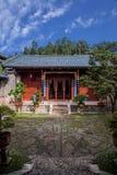Wood hus Lijiang, Yunnan borggård Arkivbilder