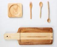 Wood kökhjälpmedel för isolat på vit bakgrund arkivbilder