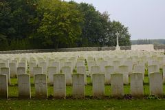 Wood kyrkogård för WWI-fristad, Ypres, Belgien royaltyfri fotografi