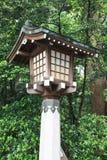 Wood lampa i japansk relikskrin Royaltyfria Foton