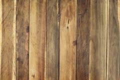 Wood panelbakgrund, naturlig brun färg, buntlodlinje till sh Arkivbild
