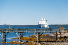 Wood Pier and Cruise Ship Royalty Free Stock Photography