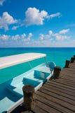 Wood pir och fartyg för Riviera Maya Royaltyfria Bilder