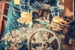 Wood plankor som planerar jobb arkivfoto