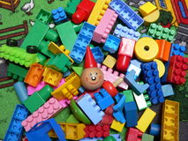Wood and plastic cubes Royalty Free Stock Photography