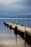 Wood skeppsdocka på sjön Arkivbilder