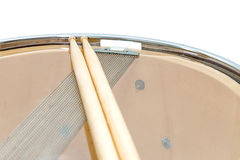 Wood snare drum and drumsticks isolated Royalty Free Stock Photos