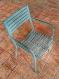 Wood stol med stål arkivfoto