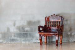 Wood stolmöblemang arkivbilder
