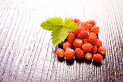 Wood strawberries Royalty Free Stock Images