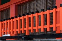 Wood struktur för japansk tradition på relikskrin för fushimiinaritaisha Arkivbild