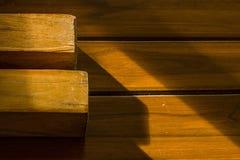 Wood tabell den härliga kapitalvaran Royaltyfri Fotografi
