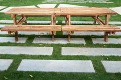 Wood tabell med bänken Royaltyfri Fotografi
