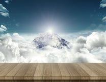 Wood tabell med bergavkänning Royaltyfria Bilder