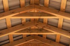Wood takkonstruktion för överlappningar Arkivbilder