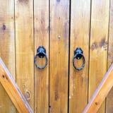 Wood texturbakgrund, wood dörrplankor Gammal tvättad bästa sikt för wood dörrmodell Slut upp på forntida wood dörr Royaltyfria Bilder
