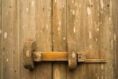 Wood traditionell dörr för teakträ Royaltyfri Bild