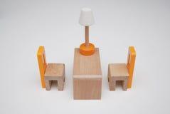 Wood urniturestolar och tabell Royaltyfri Bild