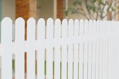 Wood vitt staket fotografering för bildbyråer
