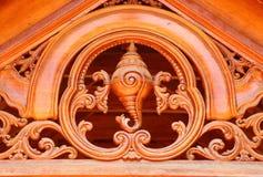 Woodcarving en el palacio de la familia real, la India del sur Fotografía de archivo