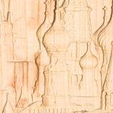 woodcarving Gesneden hulpbeeld van Moskou het Kremlin op een hout stock foto's