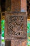 Woodcarvings antigos esplêndidos no templo de Embekka em Kandy Fotografia de Stock Royalty Free