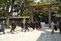 Woodden Torii på Meiji Jingu Shrine Royaltyfria Bilder
