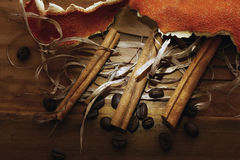 Wooden background coffee grains beans Royalty Free Stock Photos