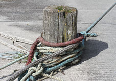 Wooden Bollard for Boats Royalty Free Stock Photos