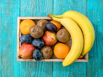 Wooden box of healthy fresh fruit Royalty Free Stock Images