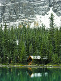 Wooden cabin at Lake O'Hara, Yoho National Park, Canada Royalty Free Stock Photos