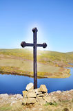 Wooden cross in the mountain Royalty Free Stock Photos