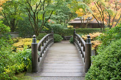Wooden Foot Bridge in Japanese Garden Royalty Free Stock Photos