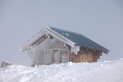 Frosty winter hut Royalty Free Stock Photos