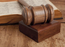 Wooden gavel and books Royalty Free Stock Images