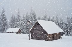 Wooden hut in the mountains Royalty Free Stock Photography