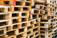 Free Wooden Pallets Stock Photography - 35419642