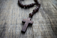 Free Wooden Rosary Stock Image - 33342821