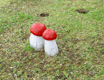 Wooden sculptures of mushrooms Royalty Free Stock Photos