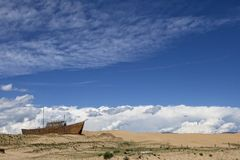 Wooden ship in the desert Royalty Free Stock Photography