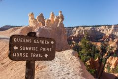 Wooden sign on Queens Garden trail in Bryce Canyon Royalty Free Stock Photos