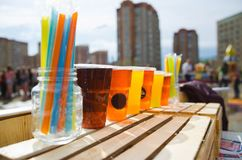 Прохладительные напитки на жаре.летний натюрморт. royalty free stock photo