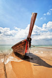 Wooden traditional boat on the beach - Thailand Royalty Free Stock Photography