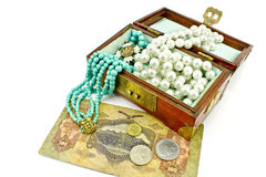 Wooden treasure chest with jewelry and money Stock Photography