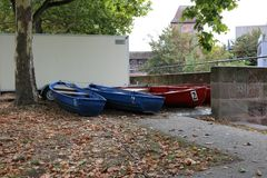 Woodenboats на реке в Германии стоковое изображение rf