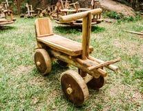 Wooder leksak av lokala material Arkivfoton