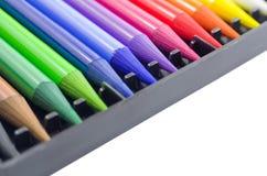 Woodless farbige Bleistifte in der Kasten-Nahaufnahme Stockfotos