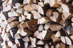 Woodpile de registros secos del roble Foco selectivo Imagenes de archivo