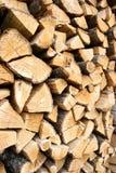 Woodpile du logarithme naturel en bois de chêne Photos libres de droits